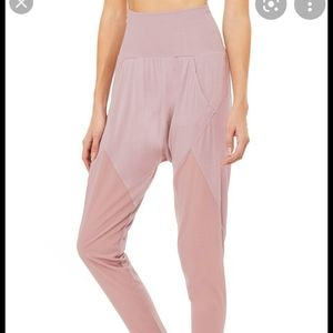 Axis Pant Dusted Plum